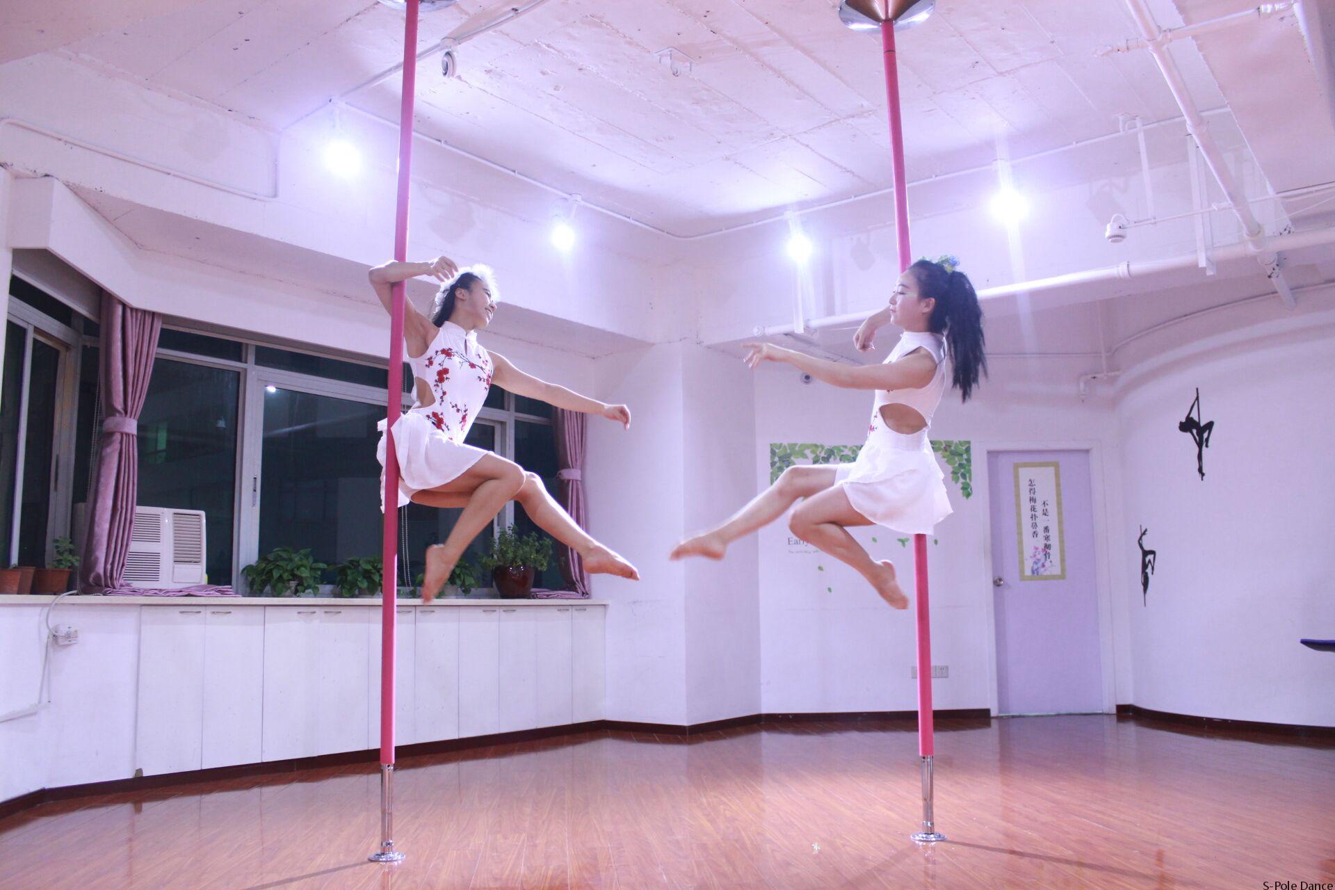 视频: 钢管舞教学之断桥伞-古典风格系列